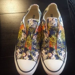 Converse in floral print